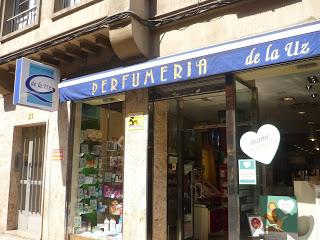 Perfumería de la Uz. Avda. Pumarín, Oviedo. Punto de venta Eva Rogado