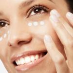 ¿Por qué no sirven las cremas de la cara para contorno de ojos?