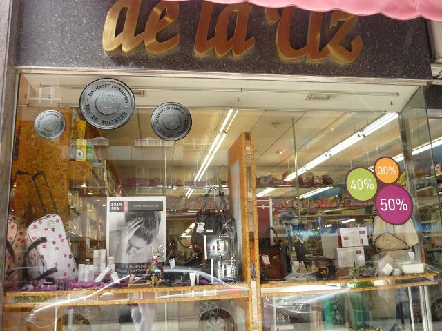 Perfumería de la Uz. Valentín Masip, Oviedo. Punto de venta Eva Rogado