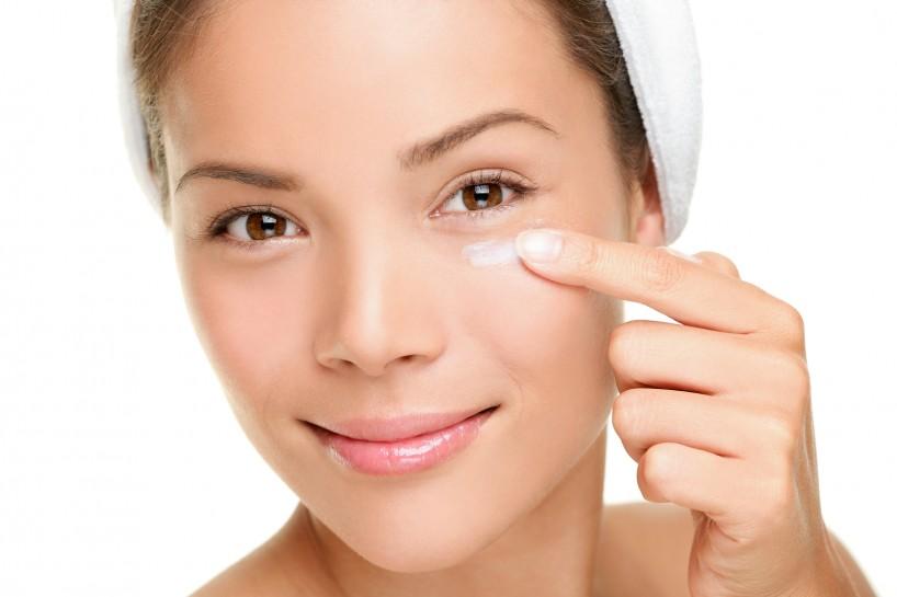 ¿Qué beneficios tiene una crema para el Contorno de Ojos? ¿Por qué es necesario un Contorno de Ojos?