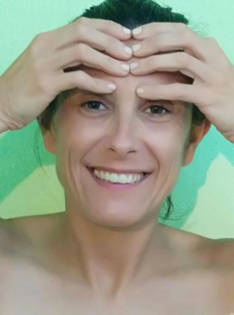 yoga facial arrugas frente