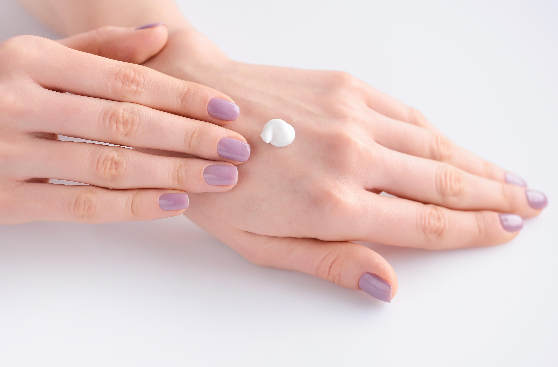 como quitar las manchas en als manos