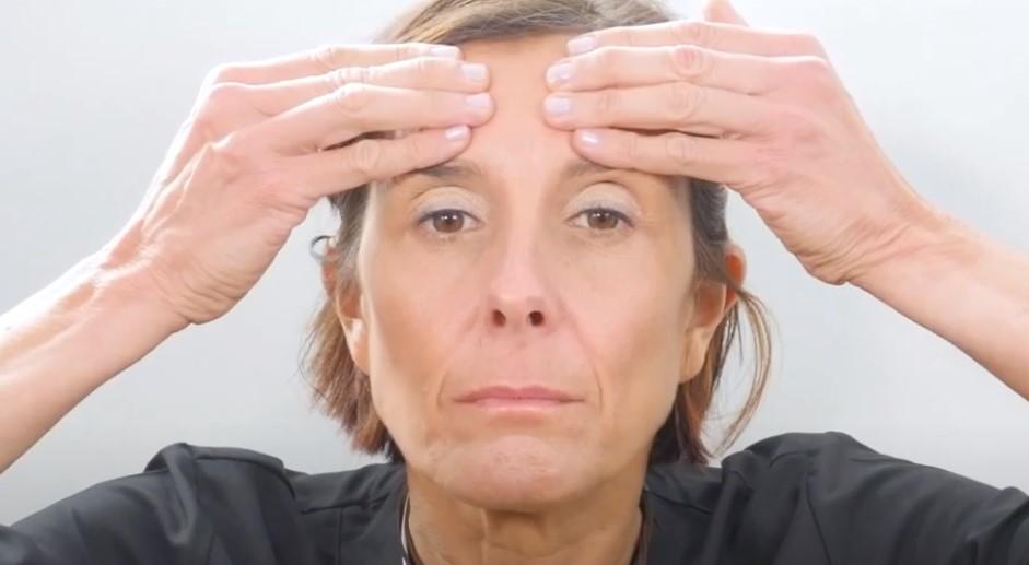 yoga facial para eliminar arrugas
