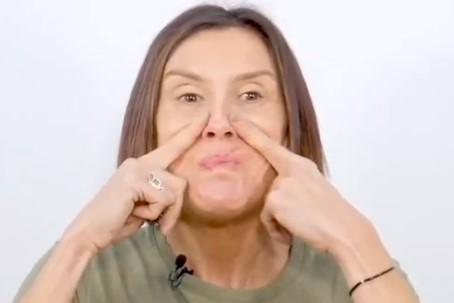 yoga facial surco nasogeniano