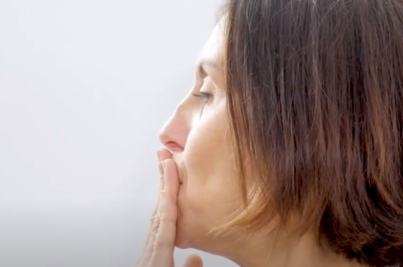 yoga facial 30 años